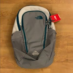 NWT The North Face Vault Backpack - Gray/ Cream